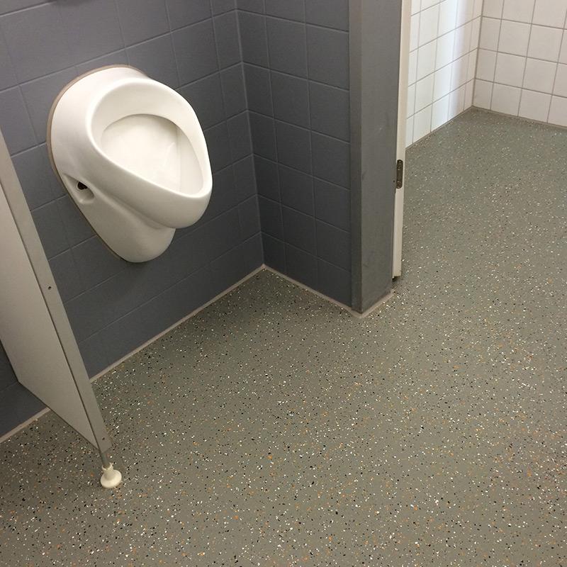 Toilette Gemeinschaftsschule Gäu Bodenbeschichtungen